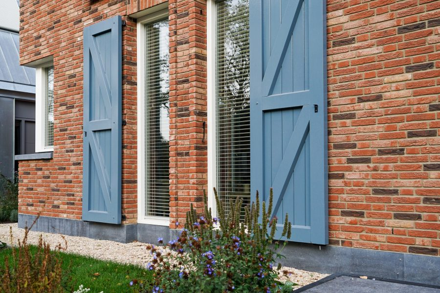 Moderne villa door aannemer Uden pakhuisstijl