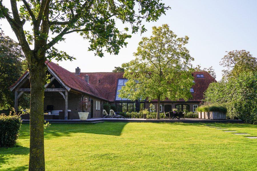 Landelijke villa boerderijstijl door aannemer Nuland