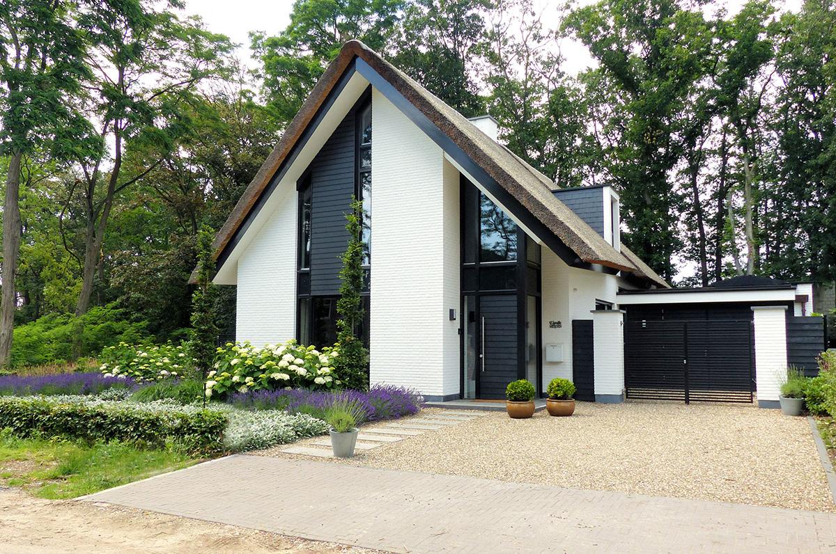 villa rieten kap bouwen