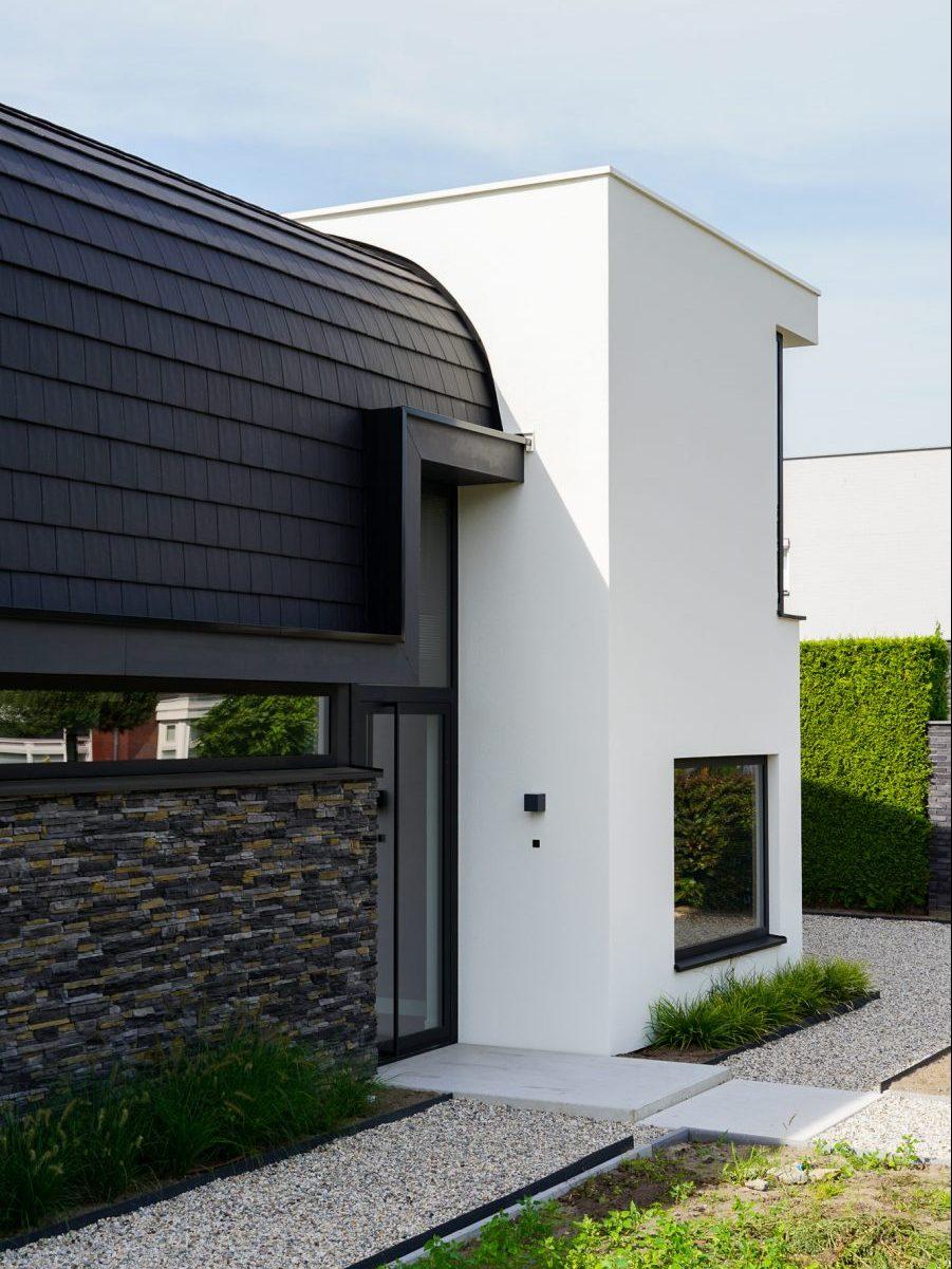 Modern huis met bijzonder dak