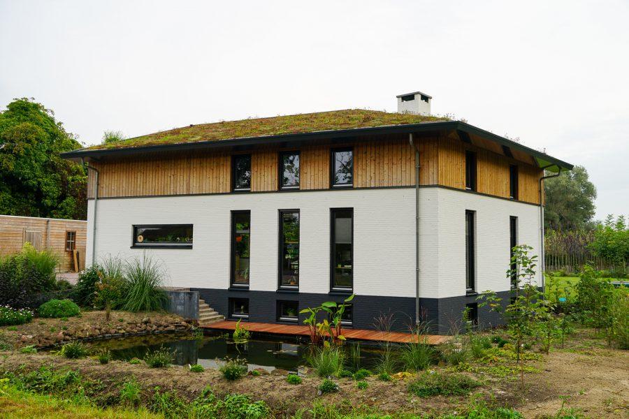Duurzame woning met sedumdak